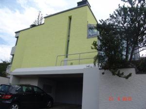 Nach Fassadenrenovation (Maurerarbeiten, Kellenwurf, Malerarbeiten)