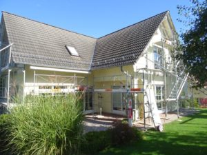 Reparatur und Malerarbeiten in Henggart